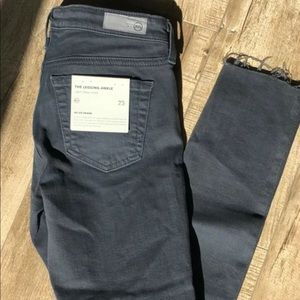NEW AG The Legging Ankle Gray Distressed Sz 25!